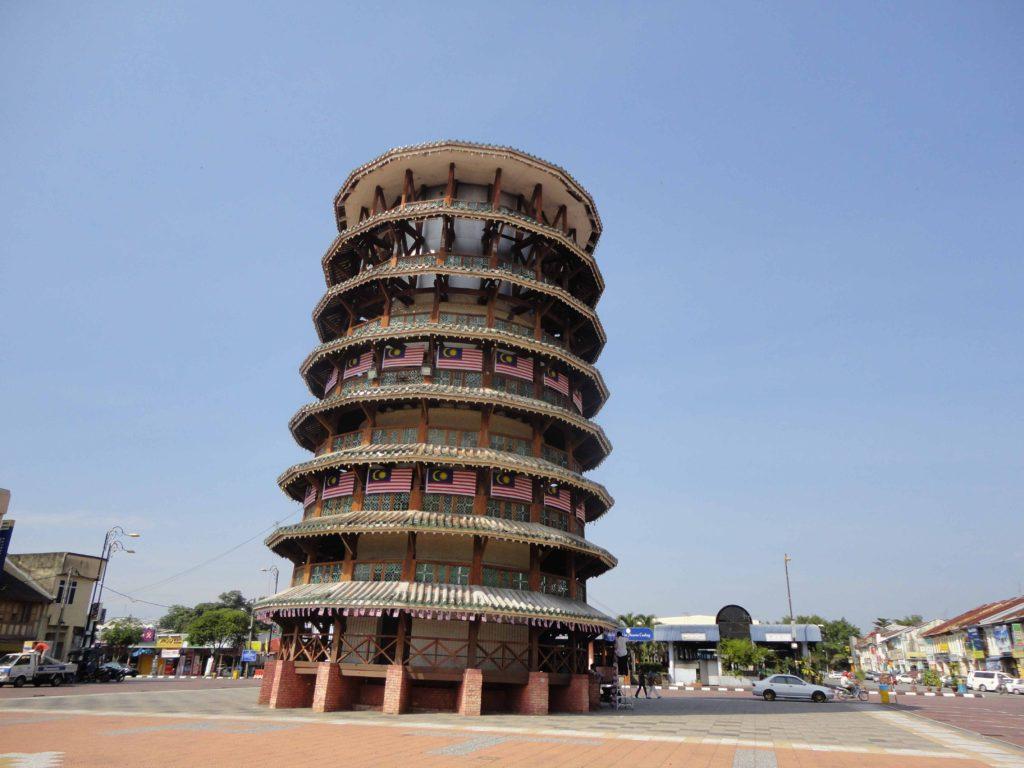 マレーシア版ピサの斜塔
