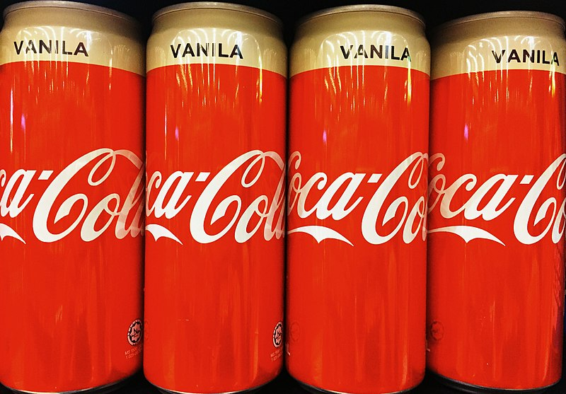 マレーシアのお店では缶ジュースがメニューに