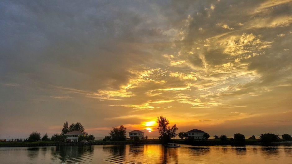 ネグリスンビランのポートディクソンの夕焼け