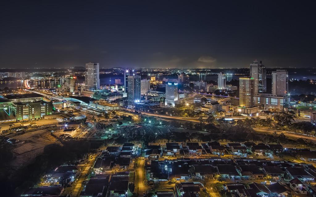 ジョホール・バルの夜景