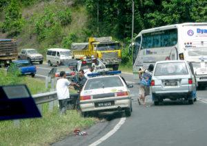 マレーシアでの車の故障と事故