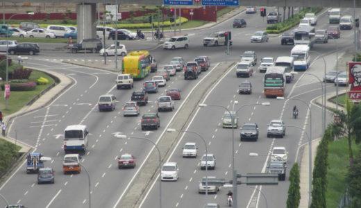 マレーシアの交通事情。スローイン・ファーストアウトは日本だけ?