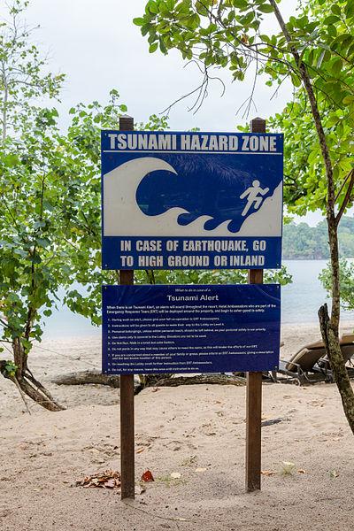 ランカウィ島の津波注意看板