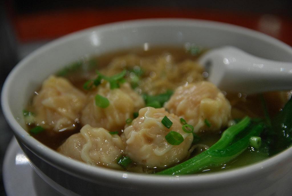 ワンタン麺スープ