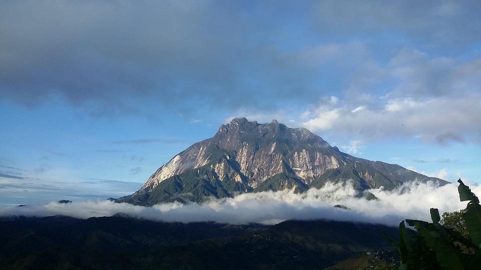 サバのキナバル山