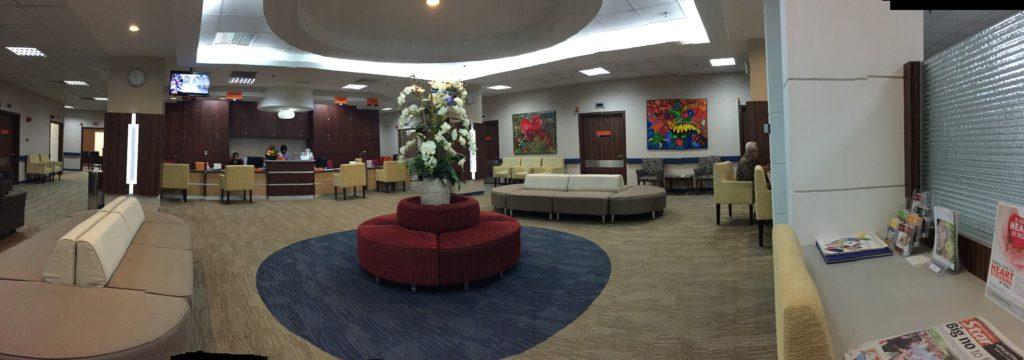 IJNの診察待合室が豪華で驚き