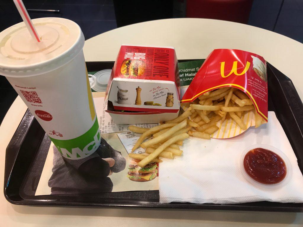 マレーシアのマクドナルドのビックマックセット