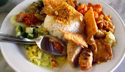マレーシアの国民食、ナシチャンプルとは?気になる値段設定もご紹介