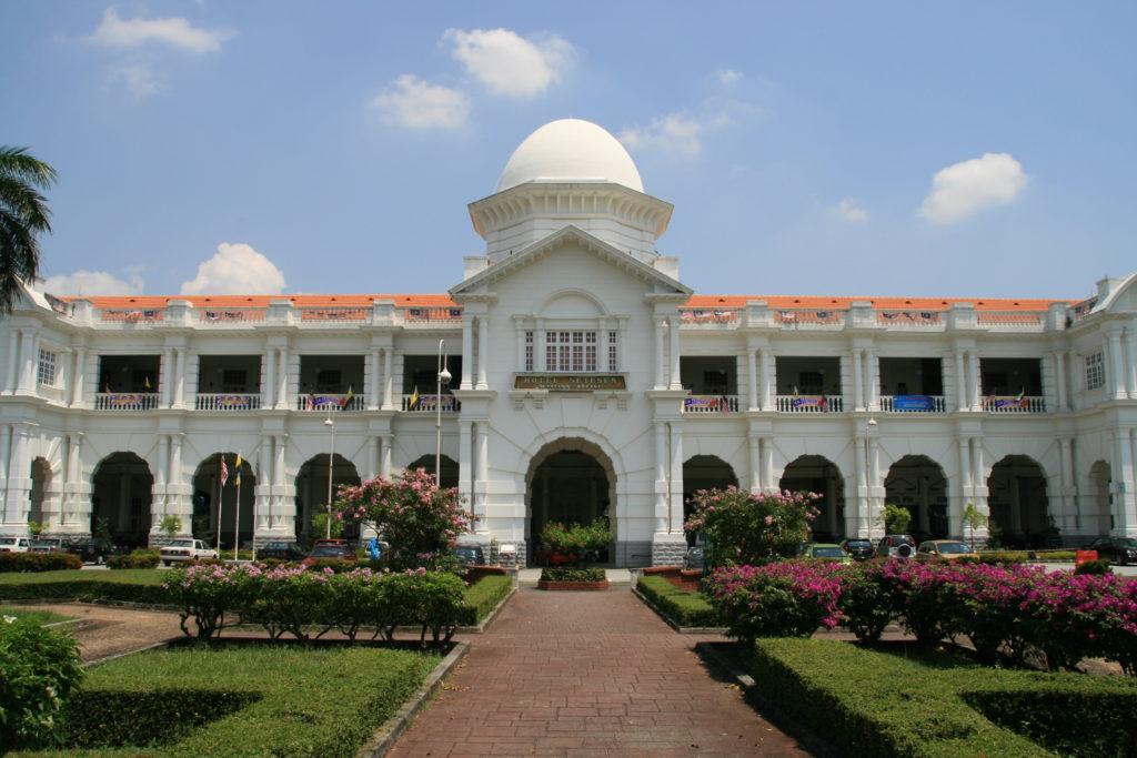 ペラ州のイポーもマレーシア観光初心者におすすめ。インスタ映えするイポー駅は外せない
