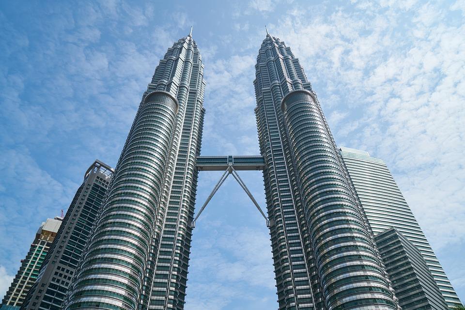 マレーシアの定番観光といえばクアラルンプールのKLCCにあるツインタワー