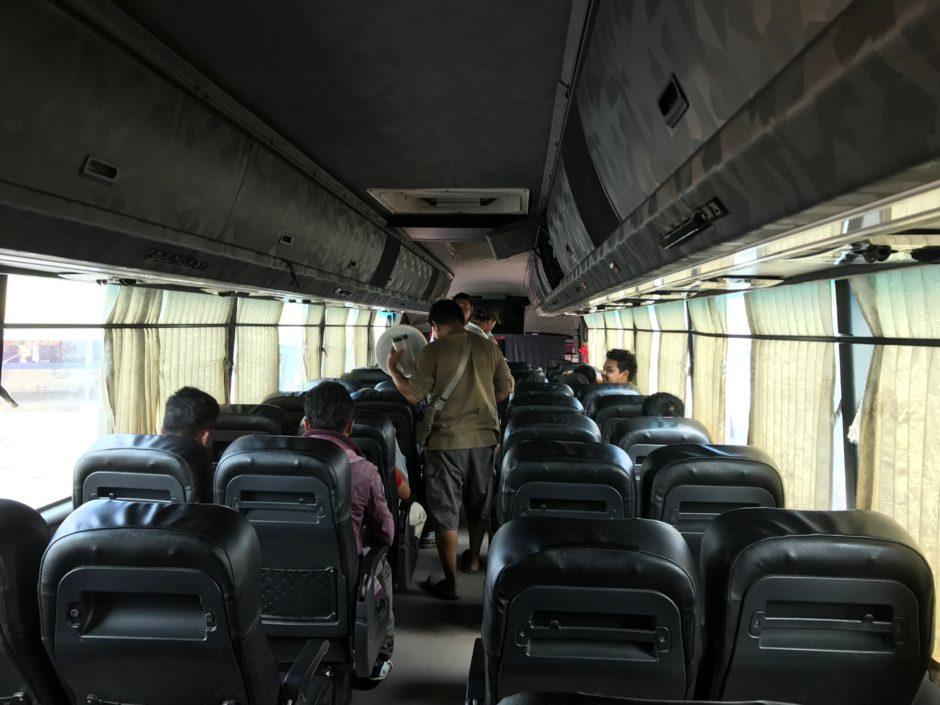 マレーシアサラワク州の長距離バス事情